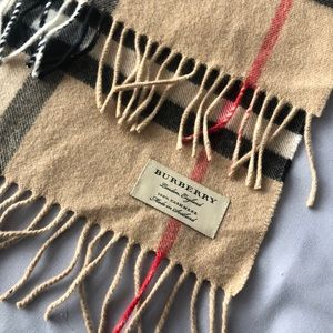 Classic Burberry cashmere scarf